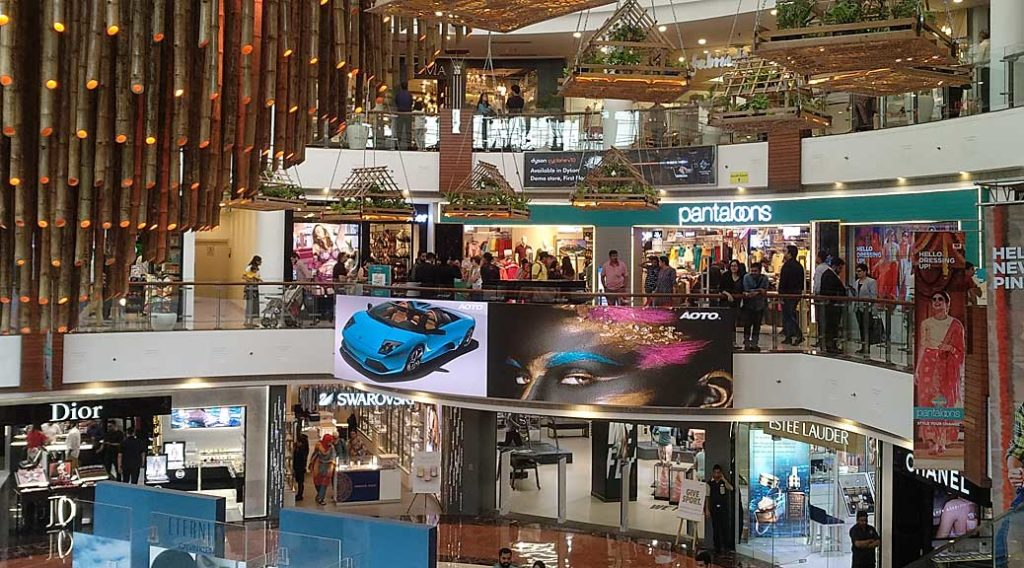 New Delhi shopping mall